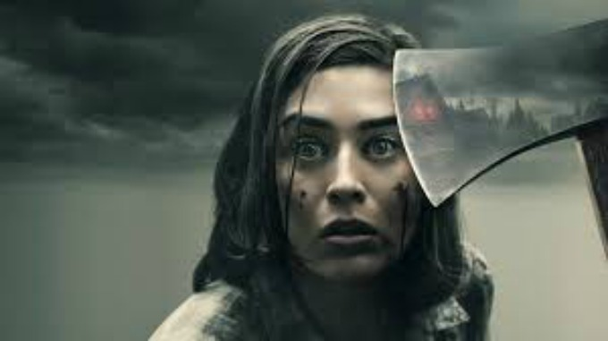 "Spoiler-Free Review of ""Castle Rock"" Season 2 on Hulu: Lizzy Caplan as Annie Wilkes gets this Slow-Burn Horror off to a Chilling Start"